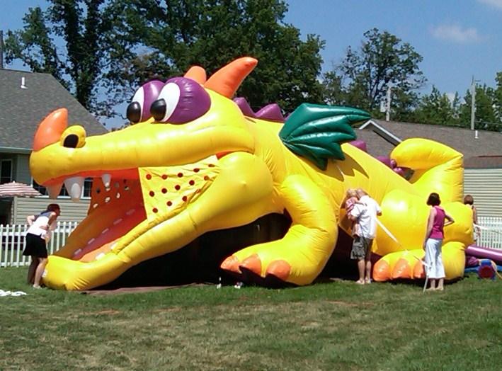Dragon-Playland-1.jpg